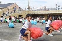 津波の避難場所になる屋上を観客席として活用