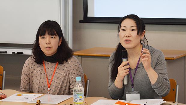 集会で話す川村さん(左)と長岡さん