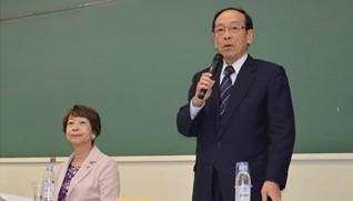 存続法人となる社養協の長谷川会長(右)と上野谷副会長