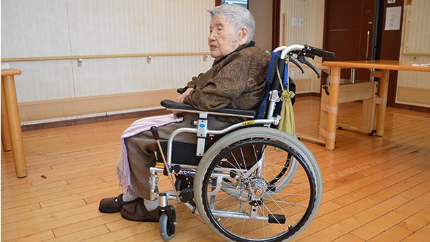 100歳でも足こぎで自走する
