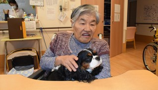 愛犬のナナちゃんと一緒に入所した榊原さん